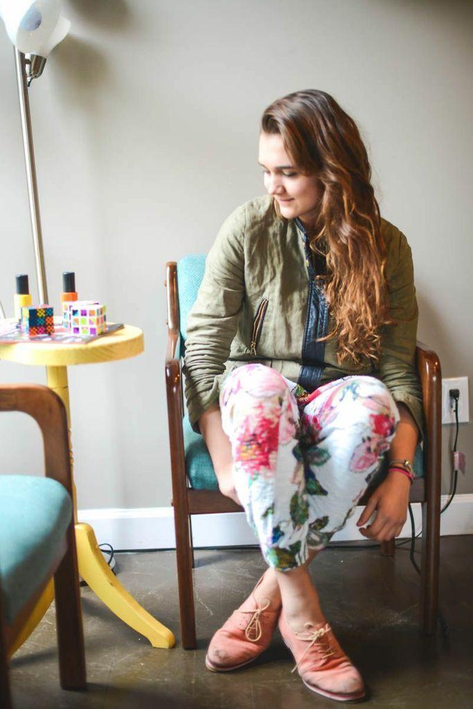 Things I Love: Fancy Track Pants - Livin Like Larz #nordstrom #floral #latte @Nashville Fashion Events #nashville