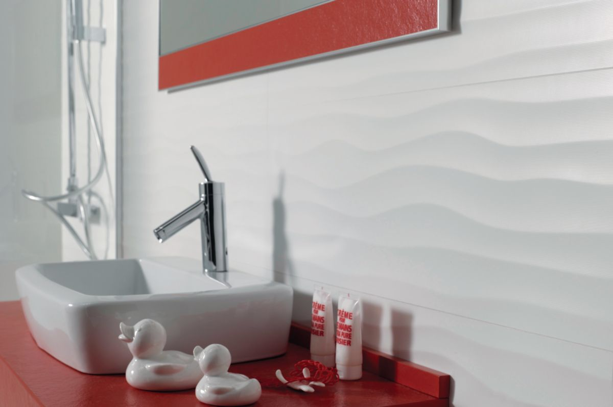 Carrelage Mural Interieur Faience Millenium Decor Flow Blanco Brillo 30x90 Cm Keraben Decoration Interie Decoration Interieure Carrelage Mural Decoration
