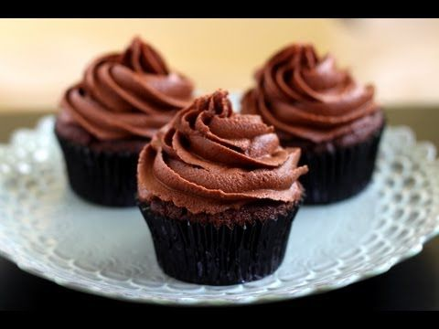 Receita Fácil: Cupcake de Chocolate no Microondas - YouTube