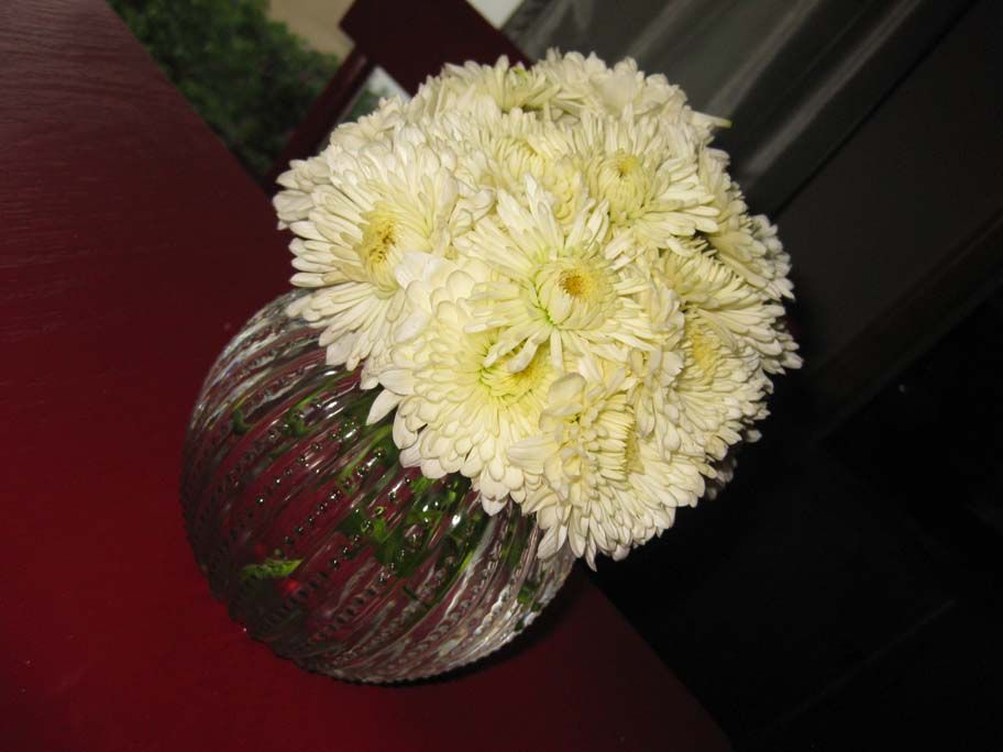 How To Make A Simple, Dome Shaped Flower Arrangement