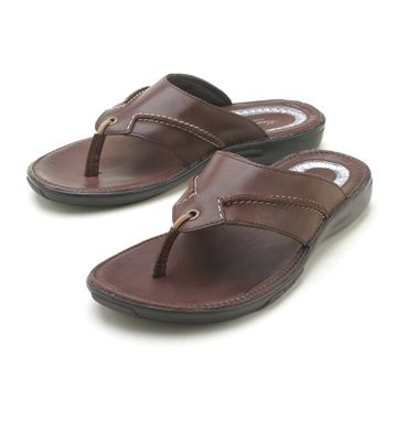 2920e5103 Kenneth Cole - Brown Thong Sandal
