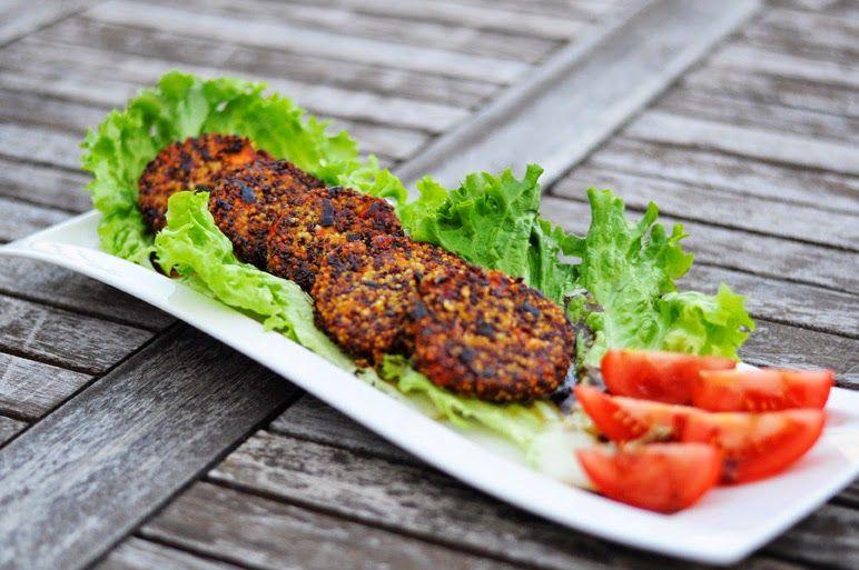 von veganen Küchengelüsten und anderen Dingen...: Rote Qunioa-Hirse-Laibchen