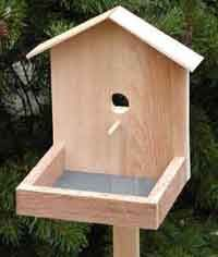 Lots of simple bird feeder plans