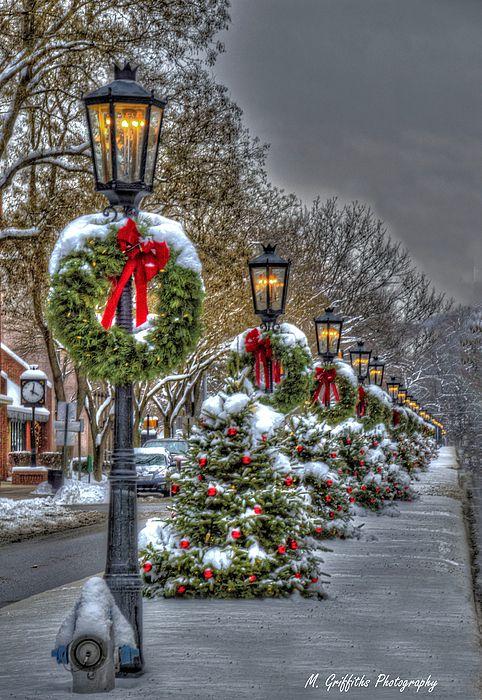 christmas on main street main street pennsylvania and. Black Bedroom Furniture Sets. Home Design Ideas