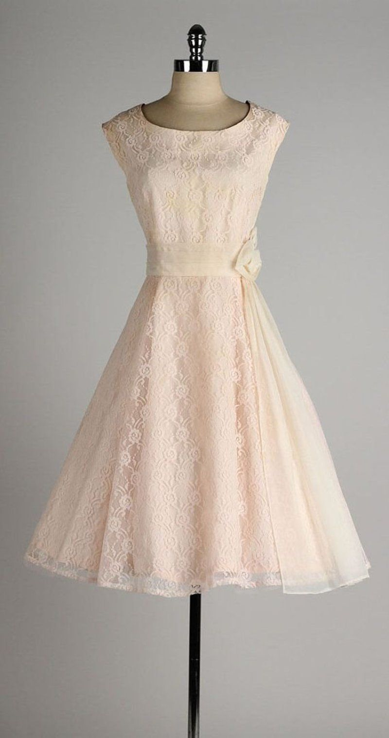 34  Stunning Vintage  Dresses You Are  Going to Want in Your  Closet ... 39ca2d0993