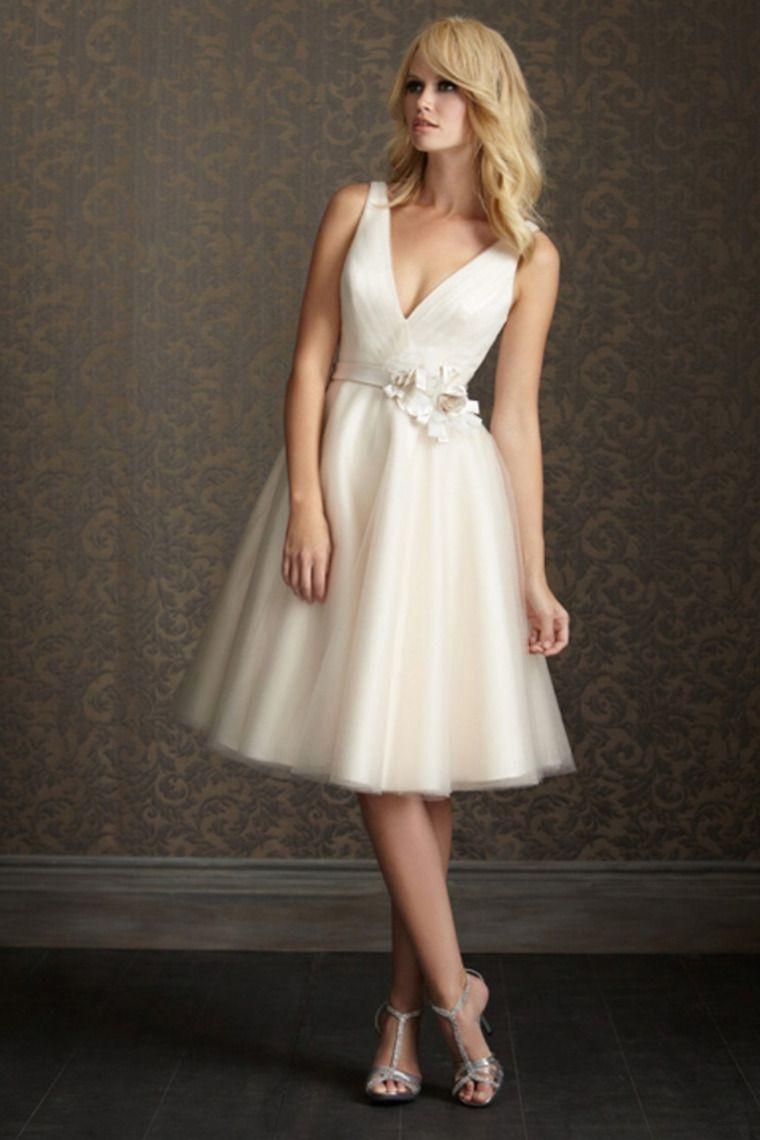 V Neck Ivory Tulle Knee Length Wedding Dresses With Handmade Flower ...