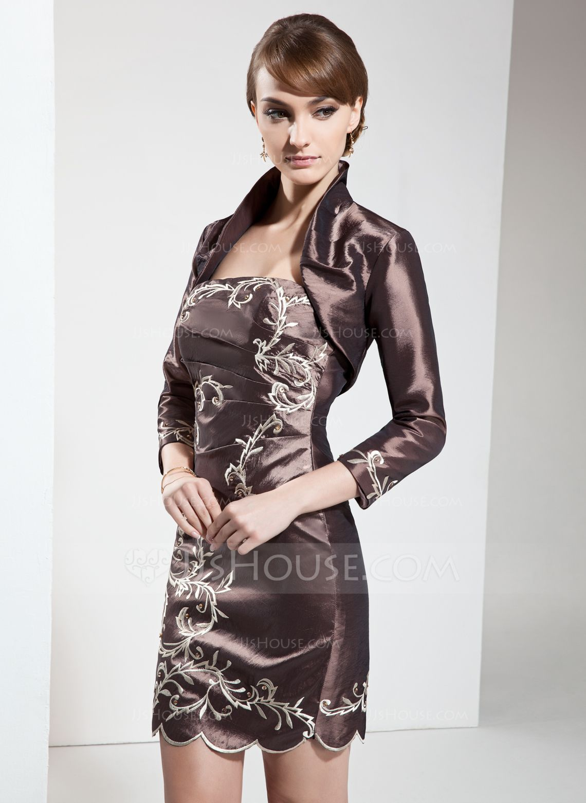 Forme Fourreau Sans bretelle Court/Mini Taffeta Robe de mère de la mariée avec Broderie Emperler (008006029) - JJsHouse
