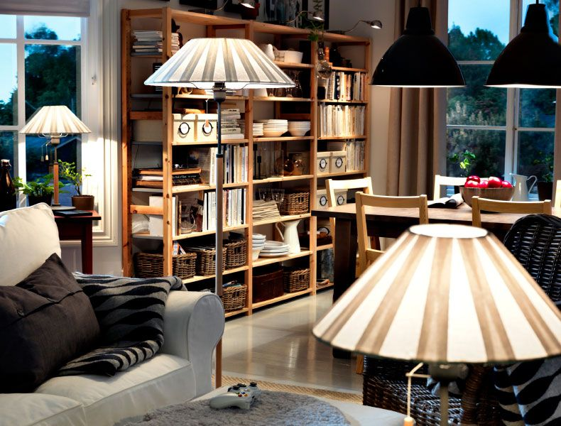 ikea sterreich sanftes warmes licht in einem wohnzimmer. Black Bedroom Furniture Sets. Home Design Ideas