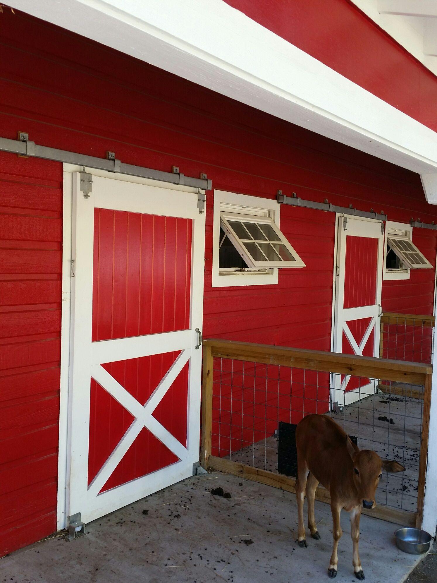 Animal Pen With Richards Wilcox Sliding Door Box Track Door Accessories Animal Pen Barn Stables