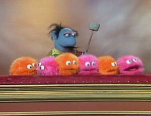 Marvin Suggs The Demented Whatnot Musician Appeared Many Times On The Muppet Show Playing The Muppaphone An Instrument Made U The Muppet Show Muppets Marvin