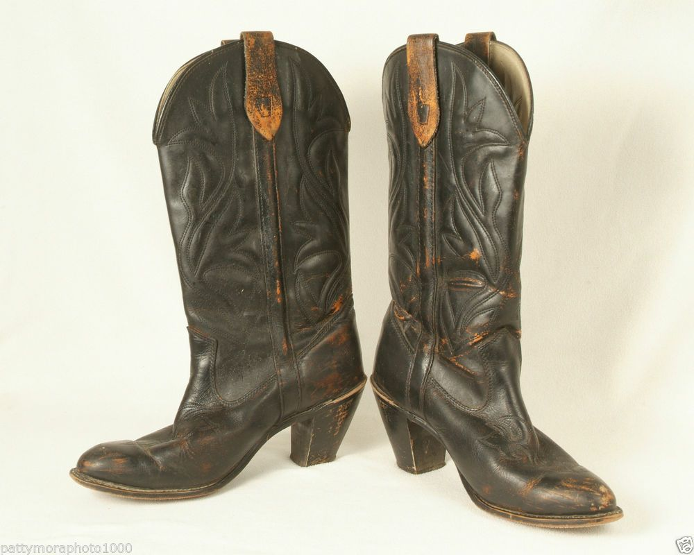 SOLD! $19 Womens Leather Cowboy Boots Size 9M Capezio Brown Leather Boot with Heel #Capezio #CowboyWestern
