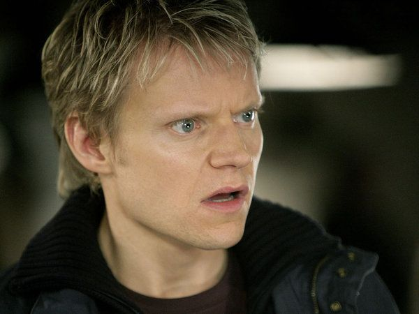 Marc Warren In Doctor Who Love And Monsters Doctor Who Wallpaper Doctor Who Doctor