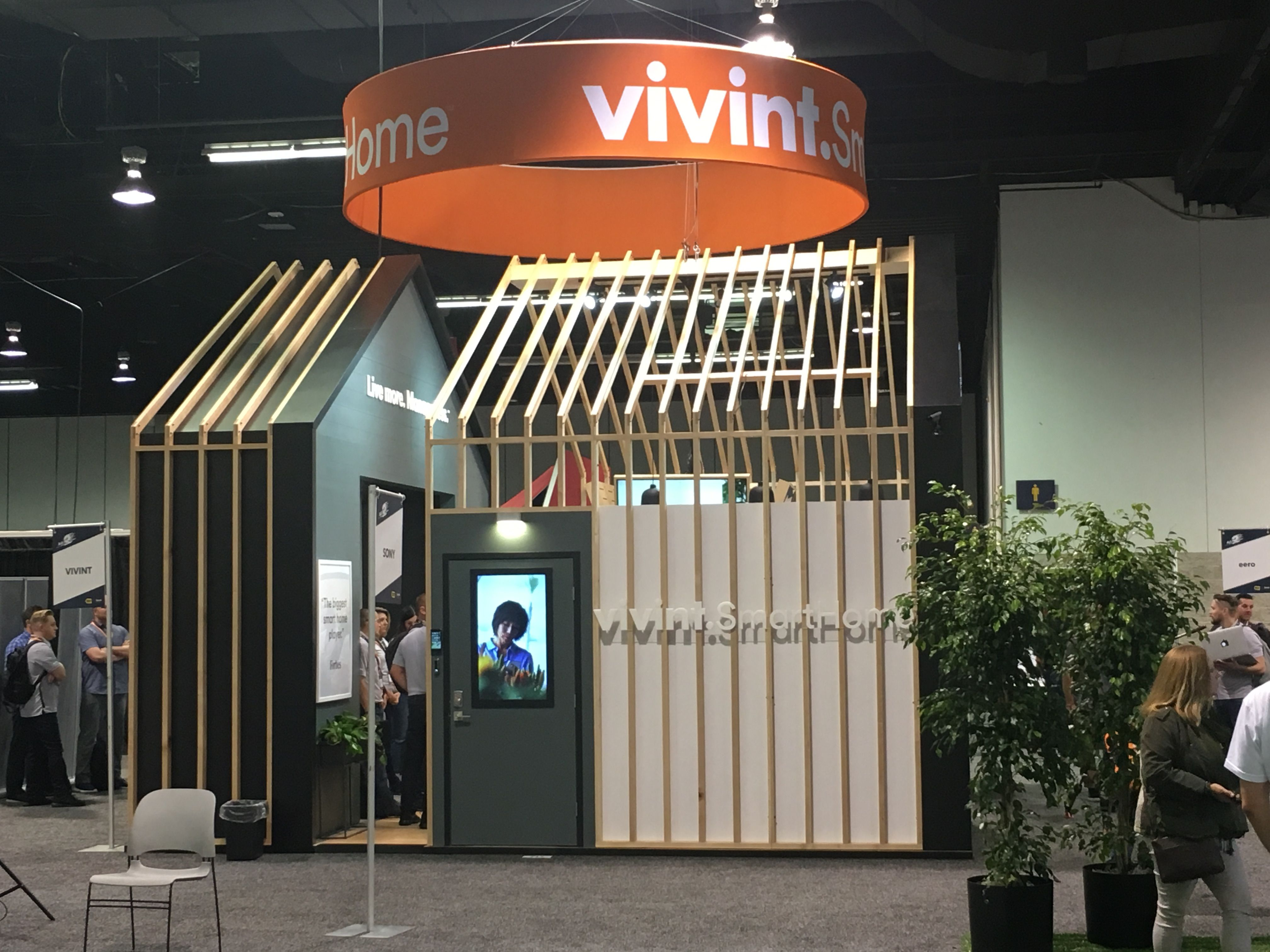 home design expo 2017 20x20 vivint smart home booth by mackenzie exhibit for the best buy holiday show 2017 tradeshow 9018