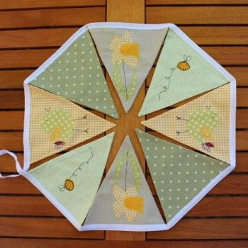 Springtime Bunting With Daffodil Bee And Chick Motif Home Decor Decoration Soft