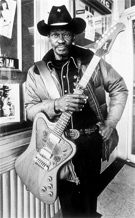 adamthenorman:  CLARENCE GATEMOUTH BROWN | BLUES LENGEND Born in Louisiana and raised in Texas, Clarence Brown was a multi-instrumentalist (and guitar virtuoso) who synthesized this amazing style of blues, cajun, jazz, and country.