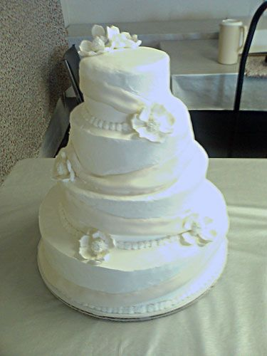 easy frosting for wedding cake simple buttercream wedding cakes wedding ido white 13814