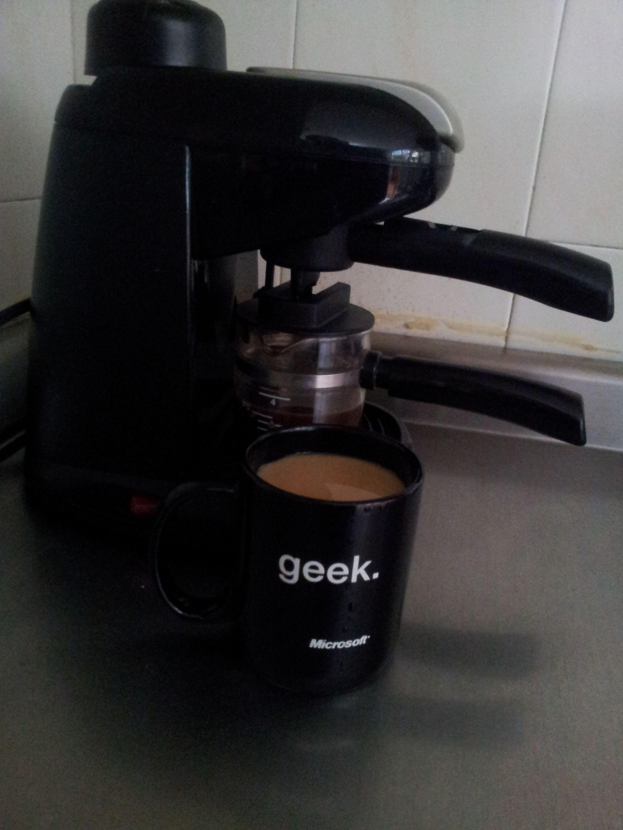 Café o Tinto? P Coffee, Coffee maker, Drip coffee maker