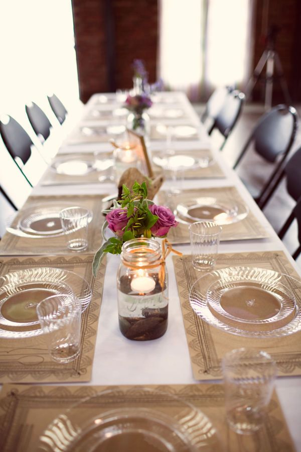Quick Yet Pretty Tablesetting With Clear Plastic Plates And Paper Placemats