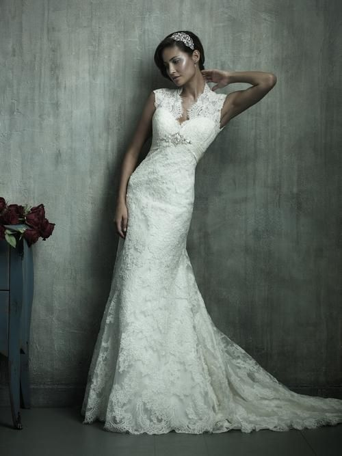 Wedding Dresses With Lace Mermaid Dress Presents Elegance And Also Moment