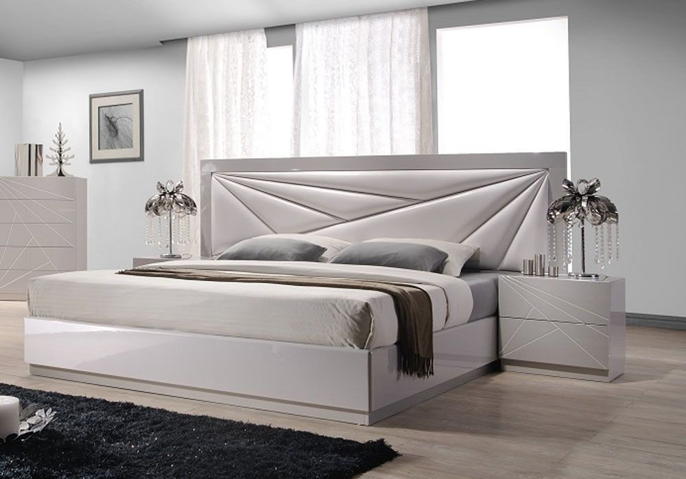 Lacquered Leather Modern Platform Bed With Extra Storage With