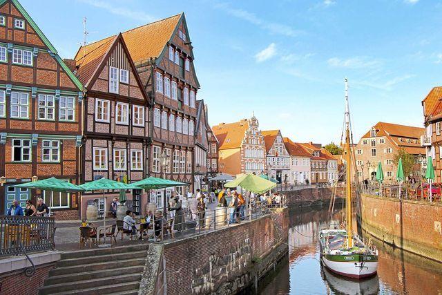 Photo of Wohnmobil-Tour an der unteren Elbe: Das Alte Land zwischen Hamburg und Cuxhaven