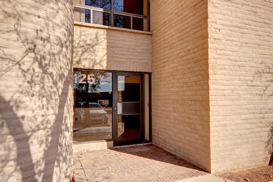 2200 E River Road #125 Road, Tucson AZ 85718 - For info contact 405-CURT. Listed By: Curt Stinson at Realty Executives Tucson Elite