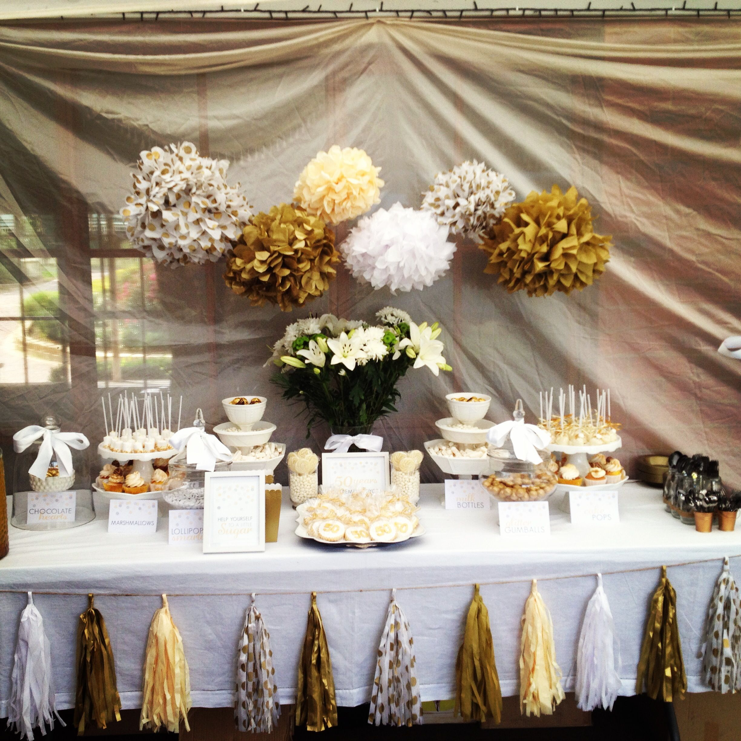 Polkadot parties 50th wedding anniversary entertaining for Anniversary decoration ideas home
