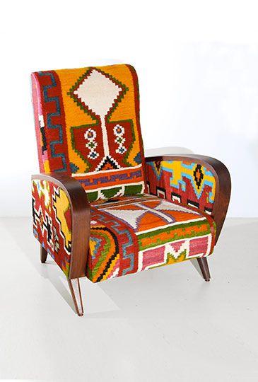 Fauteuil En Kilim Realise A La Main A Partir D Un Authentique Kililm Tunisien Ithemba Design Ethik Handmade Kilim Mobilier Design Meuble Mobilier