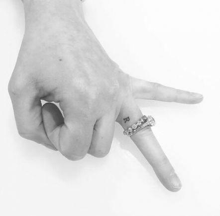 Tattoo Fonts Initials Ring Finger 27+ Ideas – Tattoo Fonts Init …