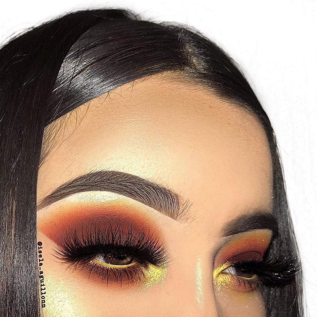 A darkish look ️🖤🖤 Eye makeup, Simple eye makeup