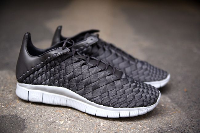 nike free innova woven leather sandals