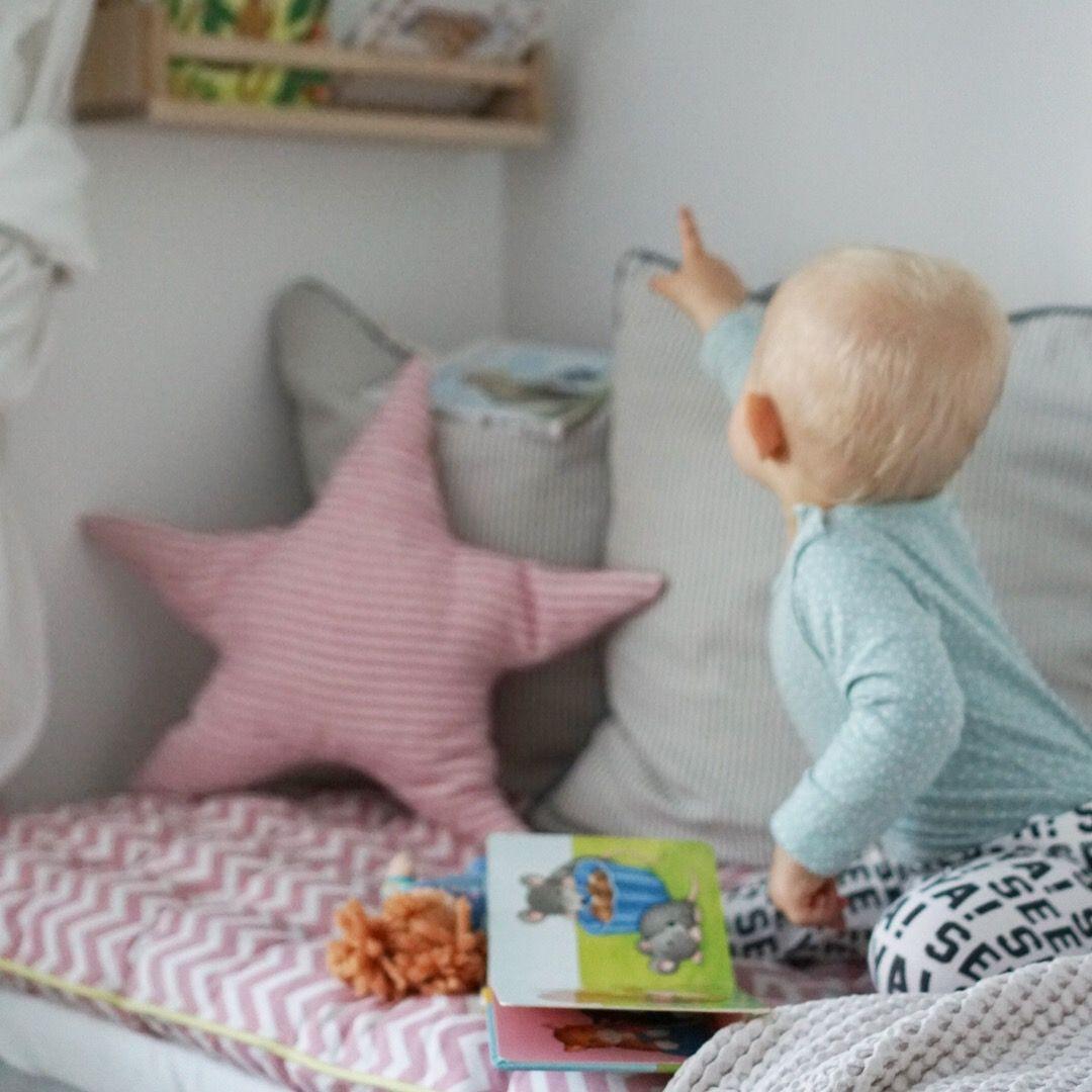 Matratzenlager kinderzimmer  Bücherregal Leseecke kuschelecke Matratzenlager ikea ikeahack ...