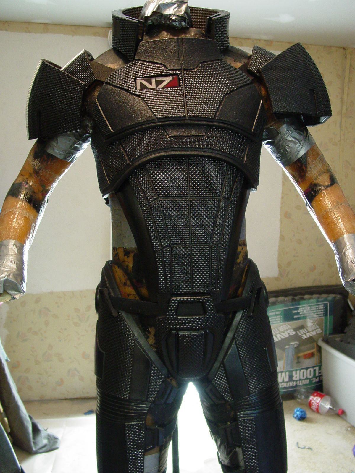 N7 armor worn by shepard in me3 retails for 650 costuming armor n7 armor worn by shepard in me3 retails for 650 maxwellsz