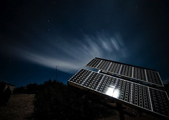 Solar panels that work in the dark !! Now that's cool ...