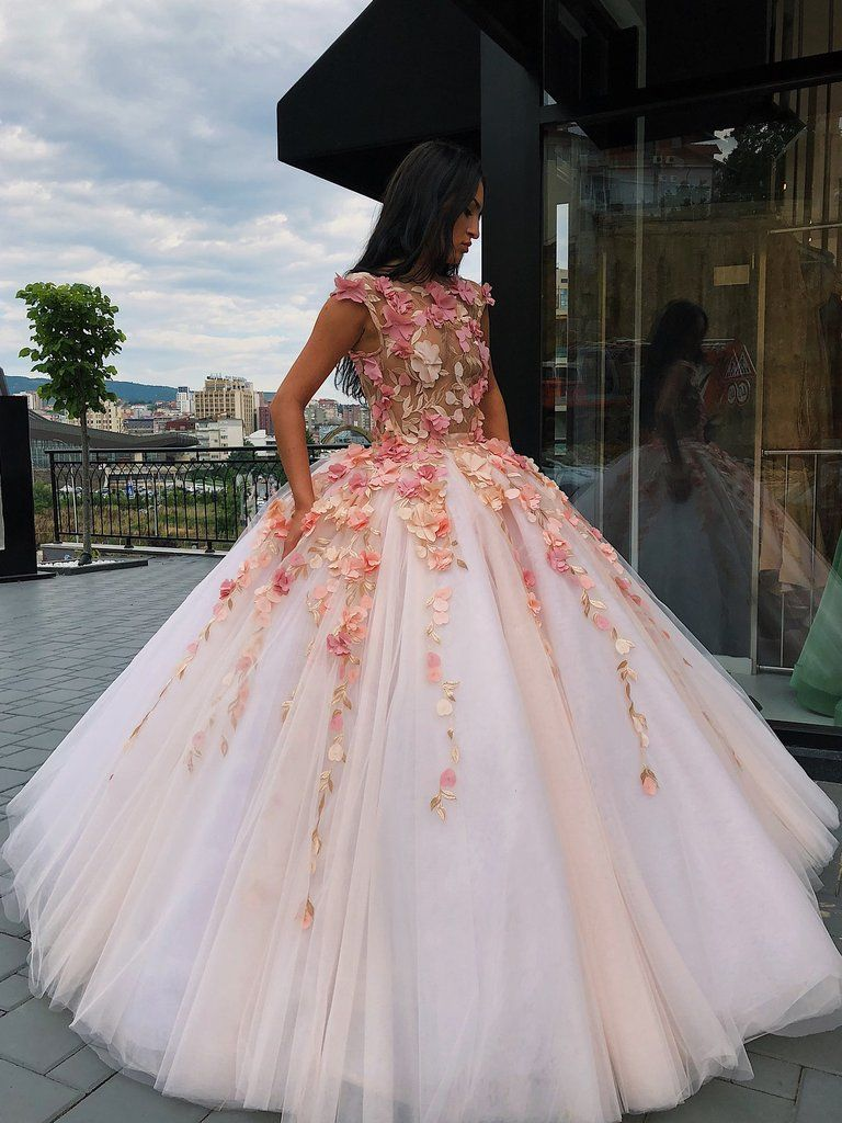 19 dress Quinceanera gold ideas