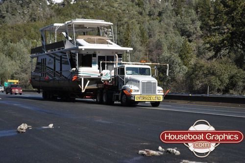 Have you ever seen a #houseboat get transported before? It's serious business! How fast do you think it was going on the highway?  #boatgraphics #boatdecals #boatkits #boating #houseboating #houseboats