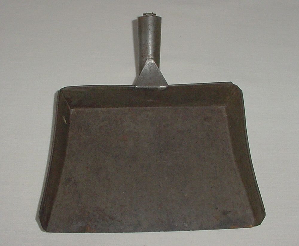 Antique Americana 1800\'s Tin Tole Shaker Dust Pan Dustpan Great Patina