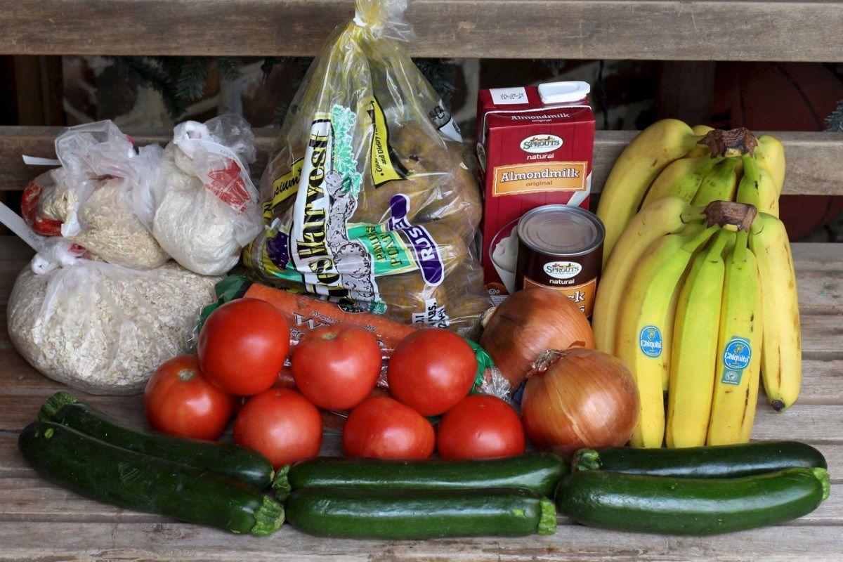 vegan on a budget $25 week meal plan | Vegetarian & Vegan in