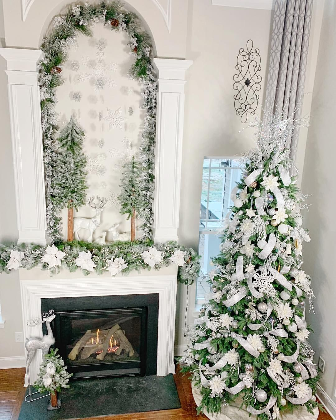 Walking In A Winter Wonderland Happy Monday Everyone After A Long Week Of Turkey And Family And Black Friday I M Happy That Monday I Decor Home Decor