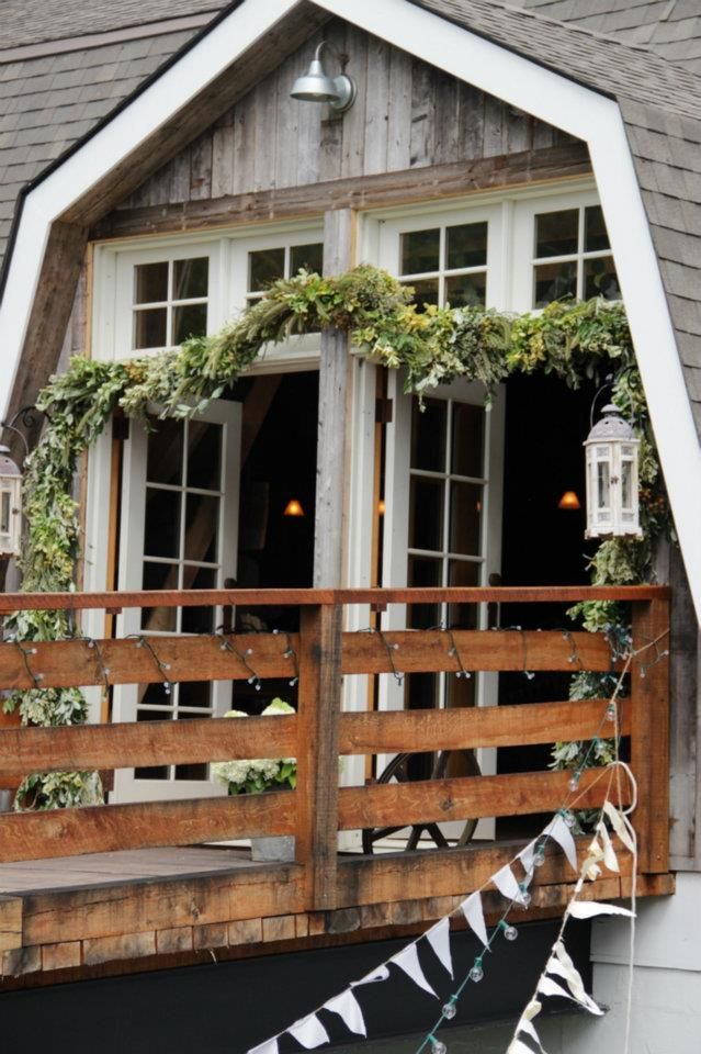 perfect place for a barn wedding. the entrance to the barn