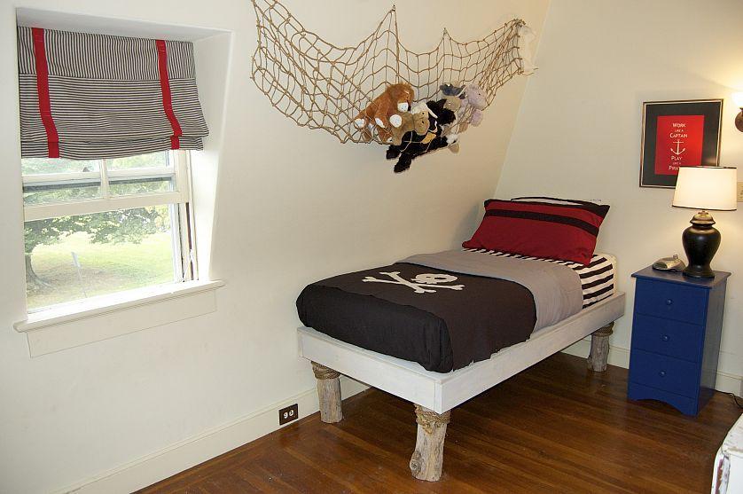 Diy Pirate Bedroom Redo Pirate Bedroom Pirate Room Pirate Bedroom Theme