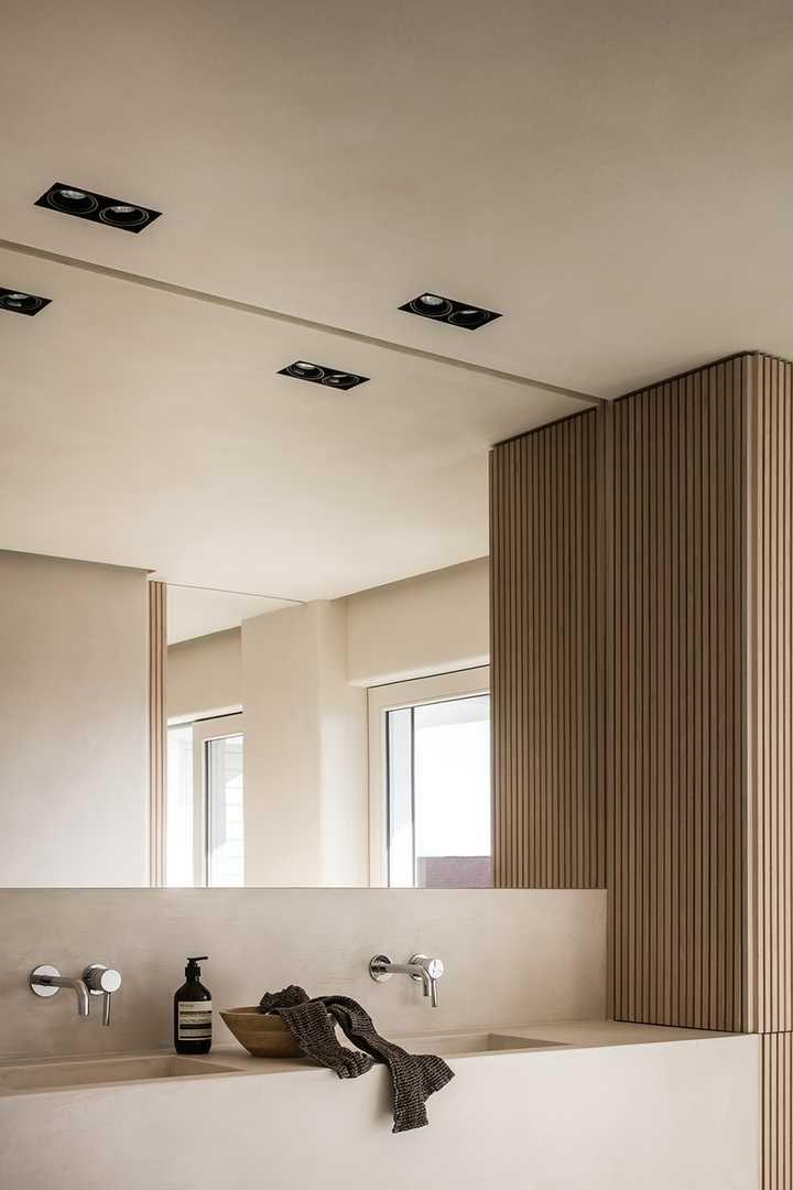 Savanna Interior Diy Mini Pond: Apartment In Knokke By Nathalie Deboel