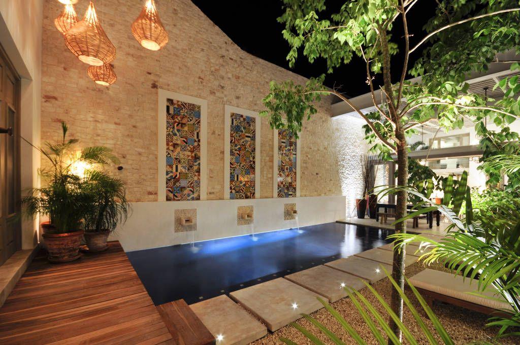 Casa mexicana con un patio interior maravilloso de joelia for Hoteles en merida con piscina