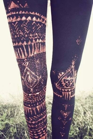 Use a bleach pen to make your own Tribal design #bleach pen #black leggings