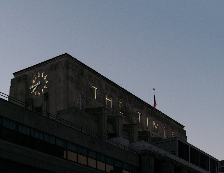 Los Angeles Times Newsroom Challenging Tronc Goes Public With Union Push Newsroom Los Angeles Challenges