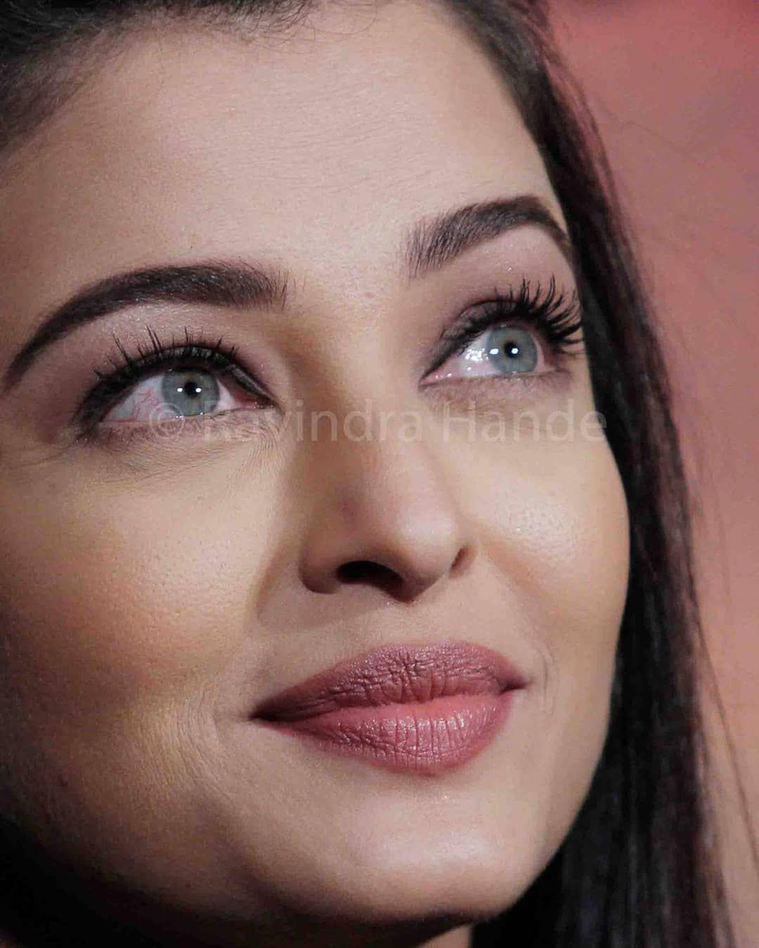 5 464 Likes 54 Comments Aishwarya Rai Bachchan News Aishwaryaraibacchan On Instagra Aishwarya Rai Bachchan Most Beautiful Bollywood Actress Aishwarya Rai