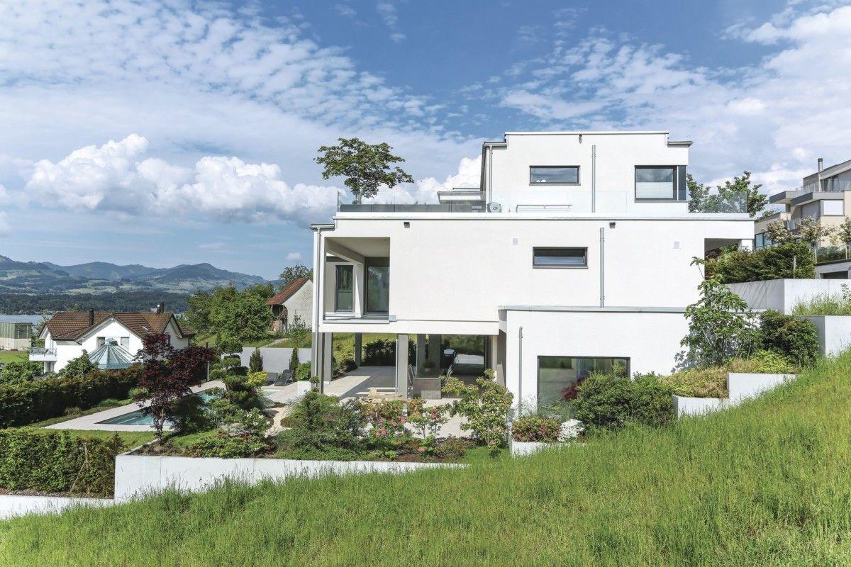 Stadtvilla modern in Hanglage - WeberHaus Fertighaus-Villa mit ...