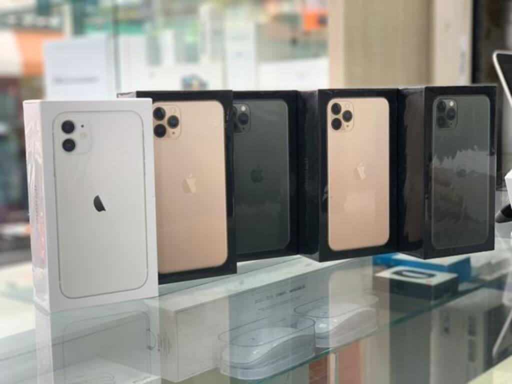 Unlocked Apple Iphone 11 Pro Max Buy 2 Get 1 Free In 2020