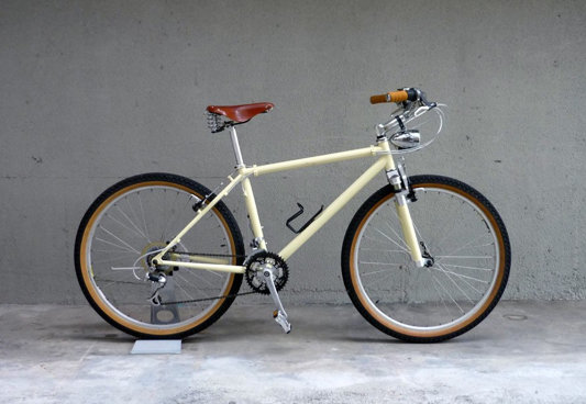 Vanguard // Tange Infiniti MTB // Re-used, re-designed and recycled – Gloria's 1980s Tange Infinity MTB has been given a classy, cycle chic street-style makeover.