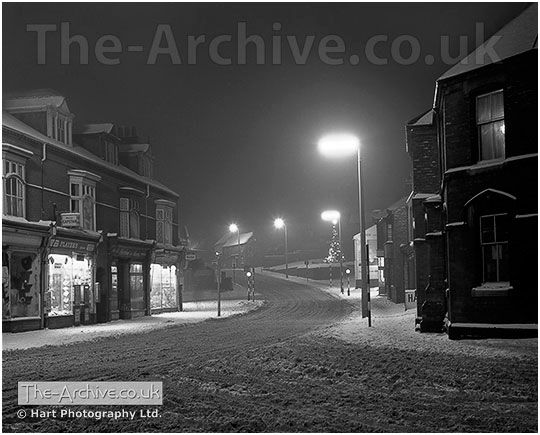 Lye Snow Scene Photograph. High Street, Lye, Stourbridge, West Midlands, Worcestershire. Photographed during the winter of 1962.  #OldPhotos #Lye #Stourbridge #BlackCountry #England #Snow